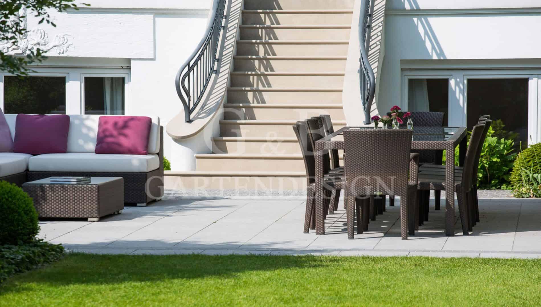 stadtvilla mit familiengarten hamburg gempp gartendesign. Black Bedroom Furniture Sets. Home Design Ideas