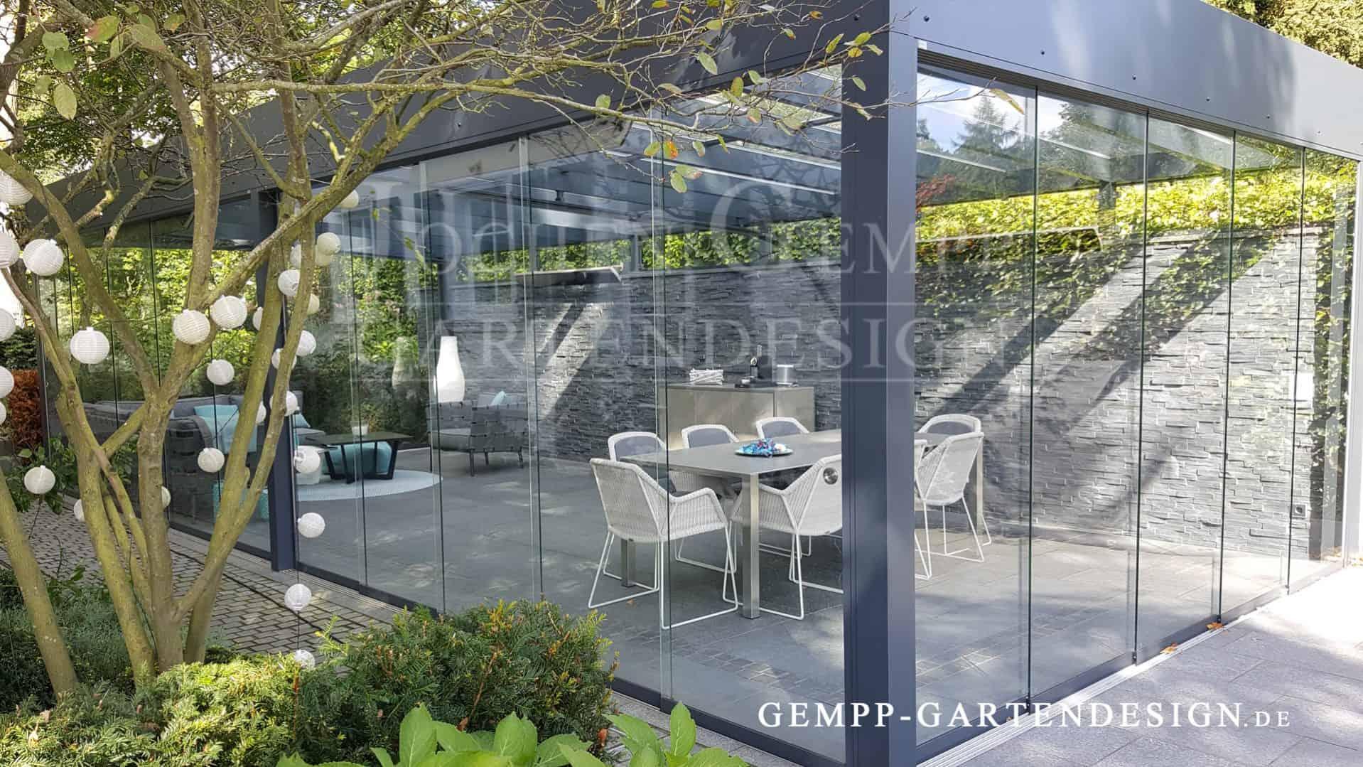 Moderne Gartengestaltung Mit Terrassenüberdachung