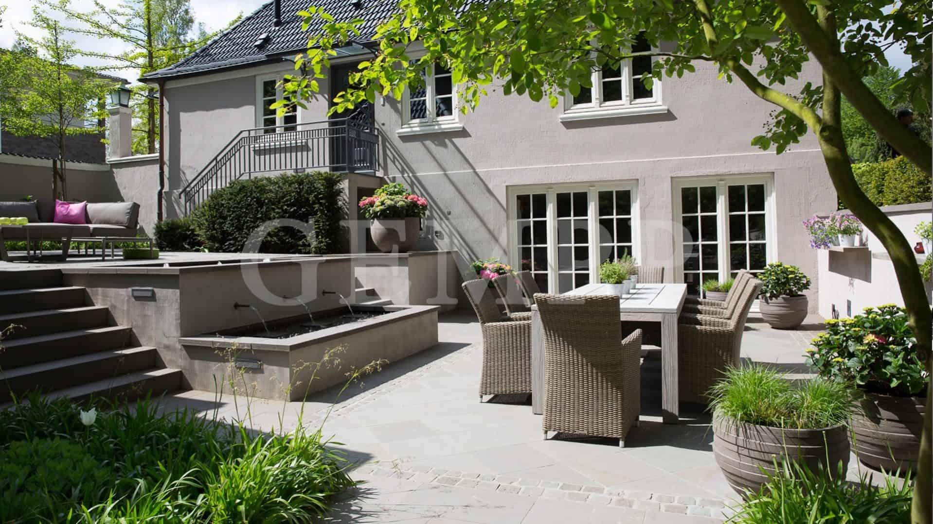 Atriumgarten anlegen gestalten moderner Patiogarten