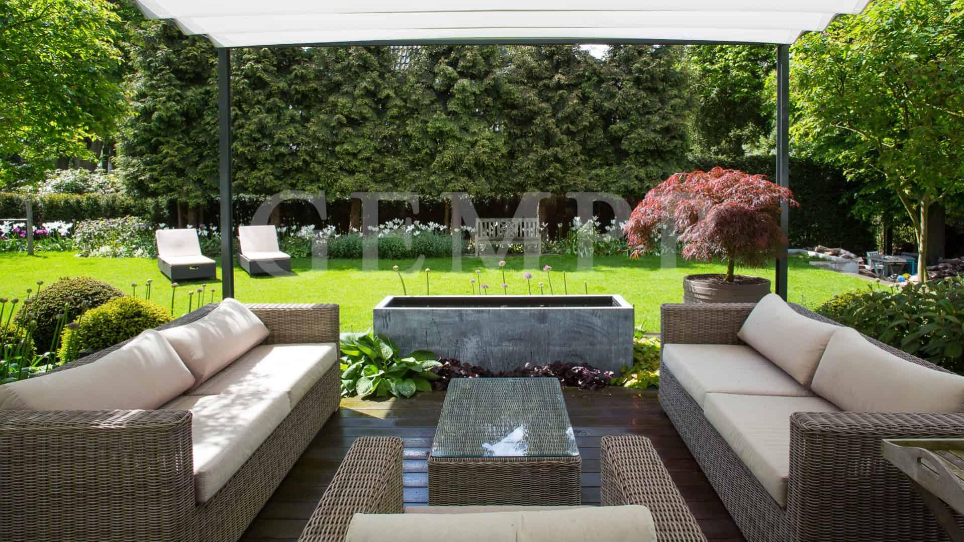 Gartenarchitektur modern Terrassengestaltung Terrassenüberdachung