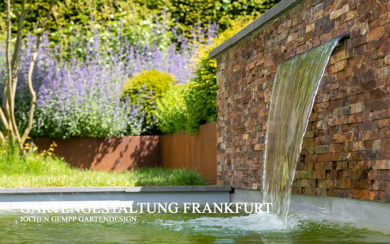 moderne Gartengestaltung mit Pool Frankfurt