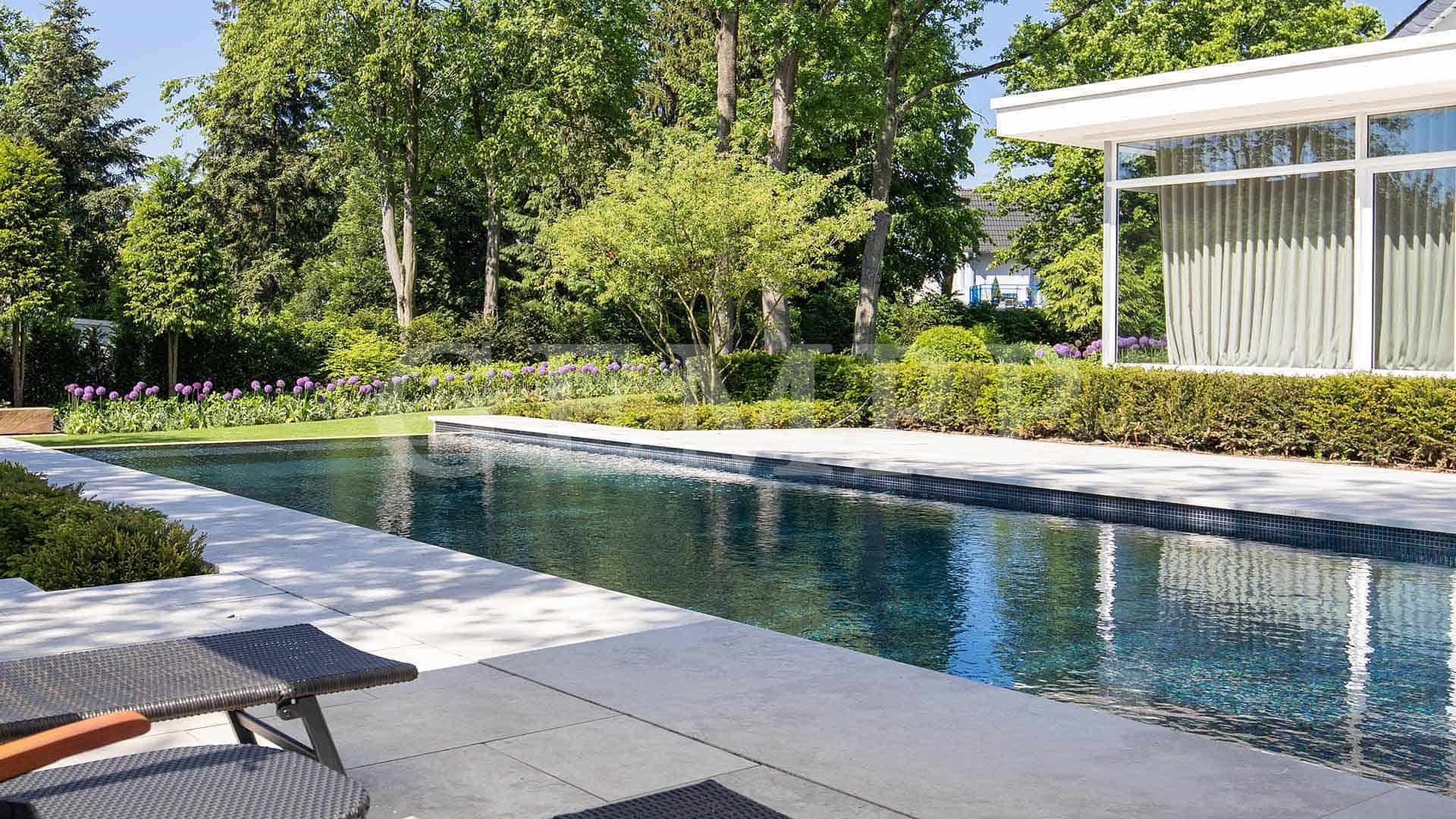 Gartenpool modern Bild Beispiel
